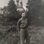 Чугорин В.А. у храма после войны