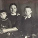 Чугорина Клавдия Васильевна с детьми в годы войны